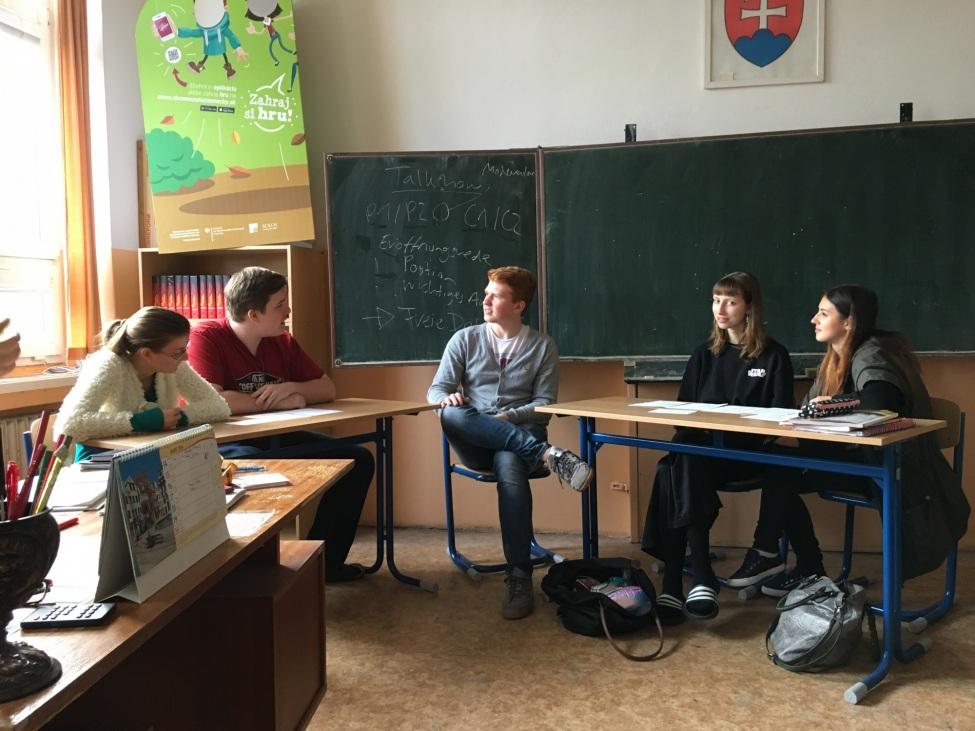 """Marvin Müller beim Debattier-Workshop """"Wählen ab 16""""."""