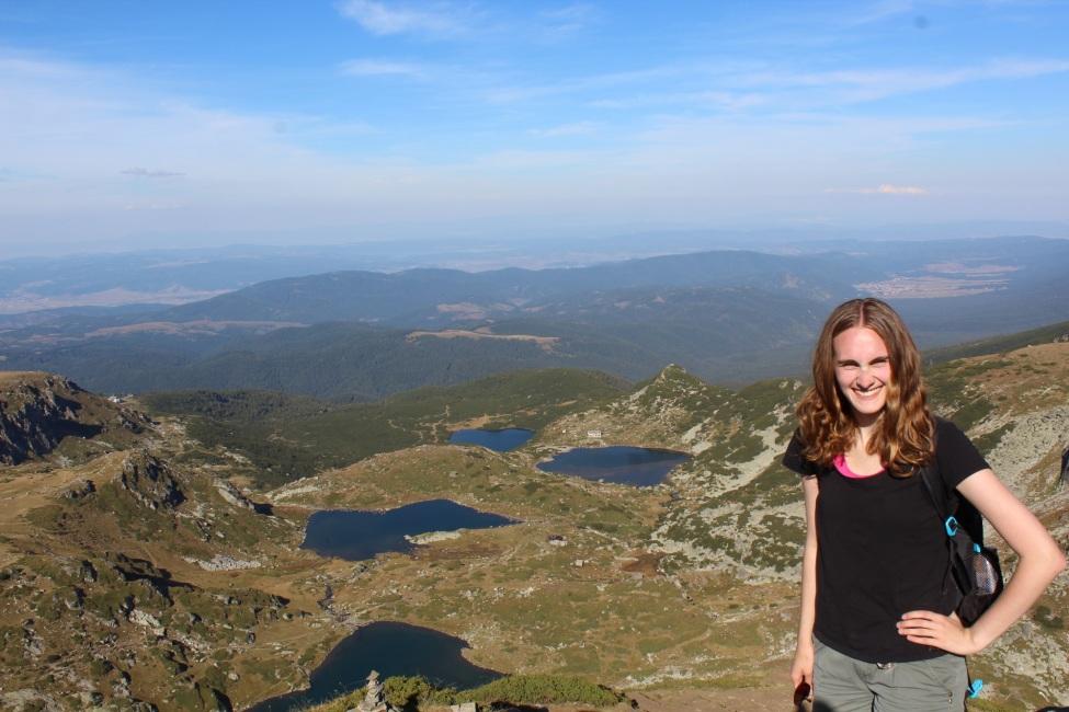 Mandy vor bulgarischen Bergen
