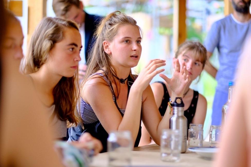 Freiwillige berichtet von FWD Erfahrung in der Floating University