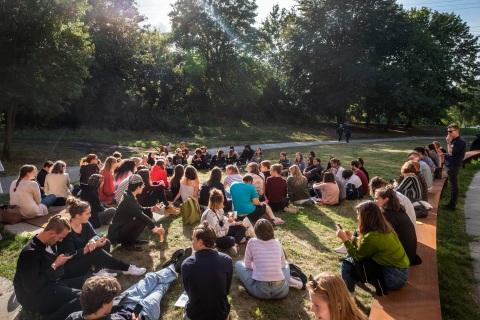 Ehemalige Freiwillige in einem Workshop beim 10 Jahre kulturweit-Jubiläum