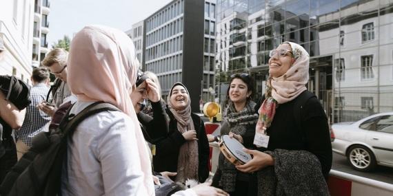 kulturweit-Hospitantinnen bei ihrer Begrüßung in der Barenboim Said Akademie in Berlin 2017