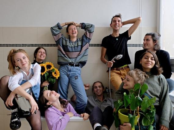 Gruppenfoto des Sai-Magazin-Teams